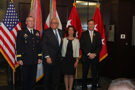 Maj. Gen. Mike Smith, Capt. Wm. Albracht, Mrs. Mary Albracht, Honorable Bobby Schilling 12.1512